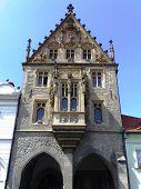Edifício gótico mundano