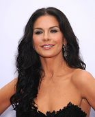 LOS ANGELES - Juli 11: Catherine Zeta Jones kommt, um die