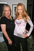Carushka and Sarah Scott at an AMA Gifting Suite by ShoeDazzle.com, Gibson Guitars, Beverly Hills, CA 11-21-08