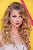 Taylor Swift  at the 2008 MTV Video Music Awards. Paramount Pictures Studios, Los Angeles, CA. 09-07