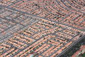 picture of suburban city  - Suburbia in the USA  - JPG