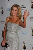 LOS ANGELES - SEP 21:  Julie Bowen arrives at the Primetime Emmys Performers Nominee Reception at Sp