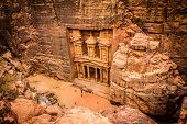 Al Khazneh (treasury) in Petra, Jordan