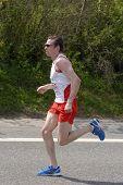 Leading Runner