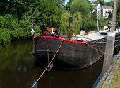 Hausboot im Kanal