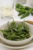 picture of pimiento  - Fried green peppers in salt - JPG