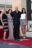 SLOS ANGELES - AUG 26:  Katee Sackhoff, MichelleRodguez, Vin Diesel, Jordana Brewster at the Vin DIe