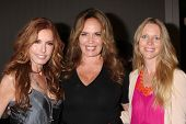 LOS ANGELES - AUG 24:  Tracey Bregman, Catherine Bach, Lauralee Bell at the Young & Restless Fan Clu