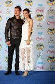 LOS ANGELES - AUG 10:  Gregg Sulkin, Victoria Justice at the 2014 Teen Choice Awards Press Room at S