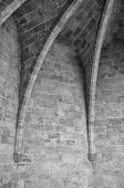 pic of vault  - Black and white detail take of a ribbed vault - JPG